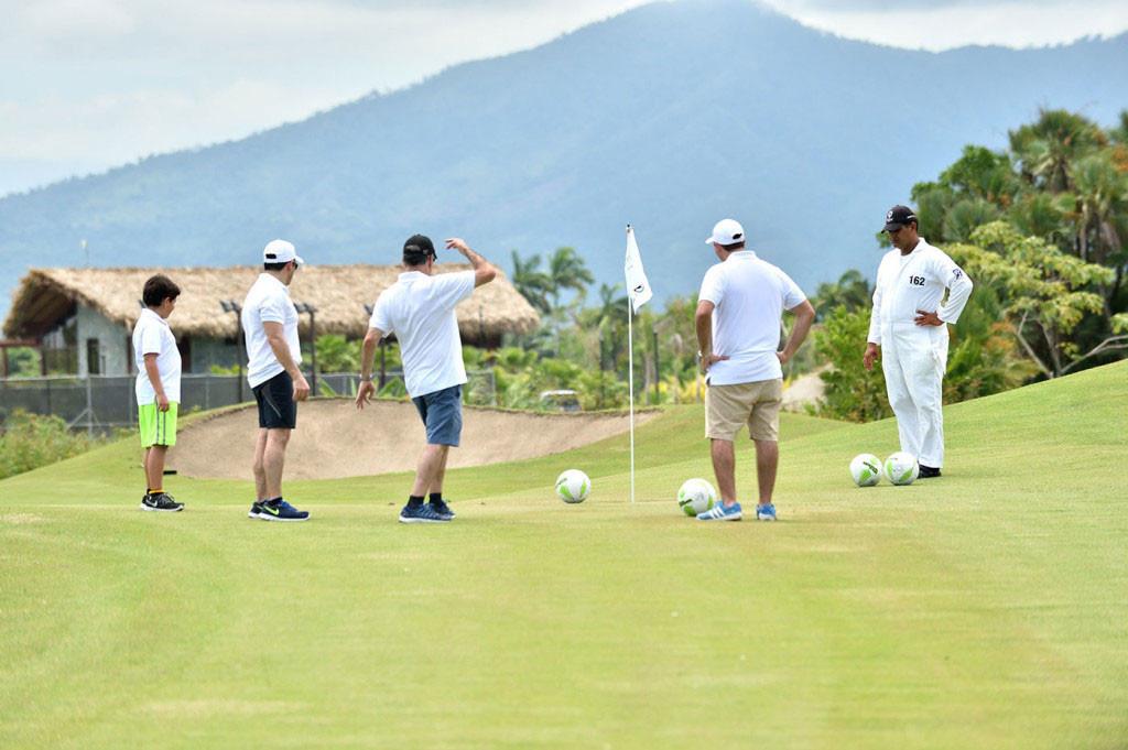 indura golf