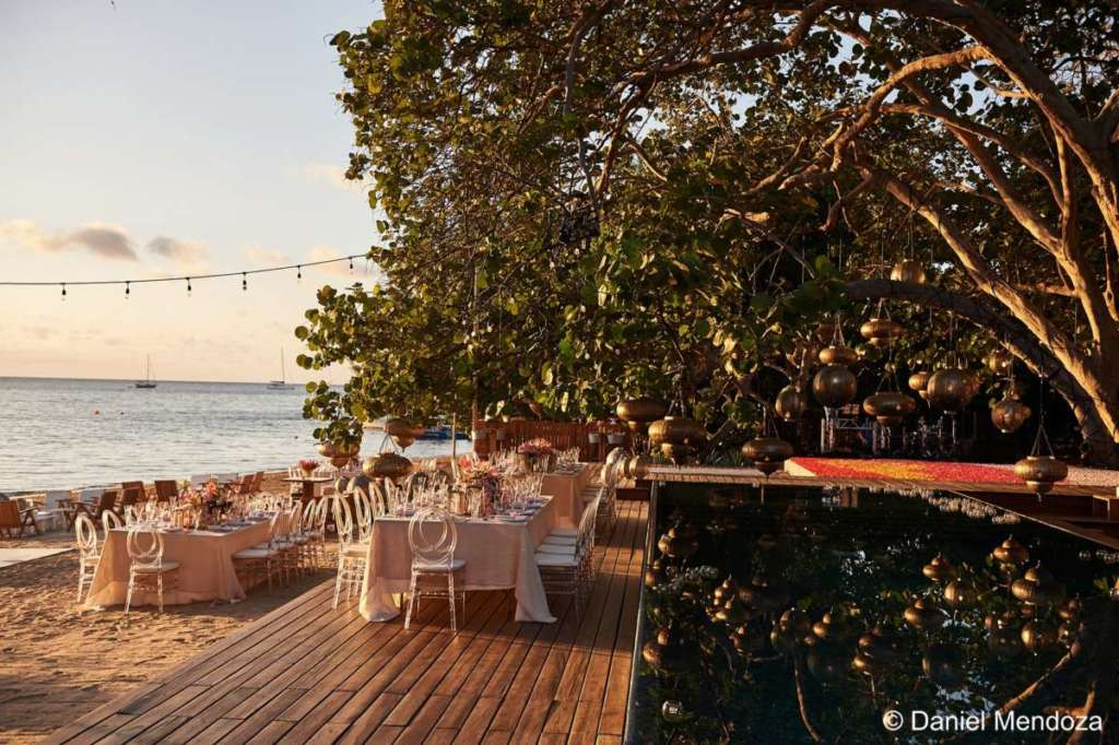 destination wedding roatan