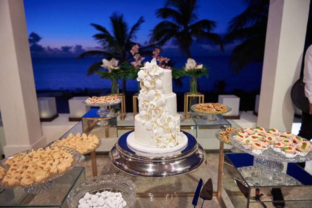 cake-destination-wedding